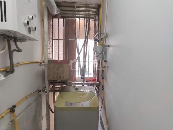 通江和邦小区电梯四楼套二中装修