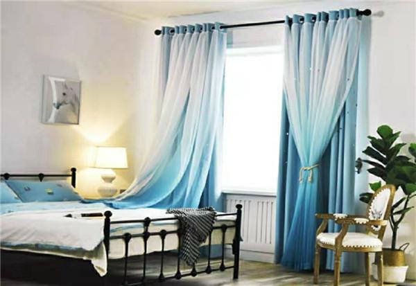 渐变蓝窗帘
