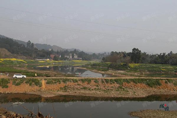 乐山竹公溪实景图