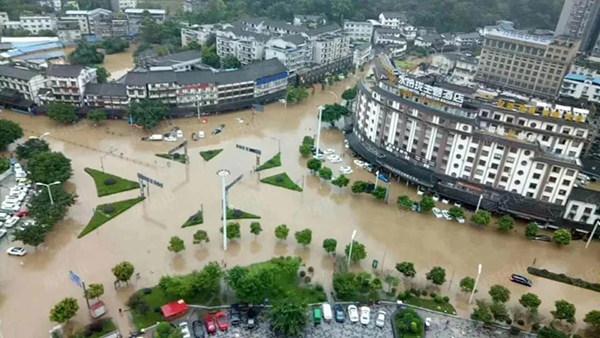 乐山洪灾实景图