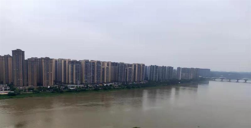 乐山城北观江实景图